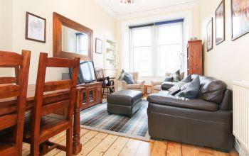 30 (1f3) Crighton Place, Edinburgh