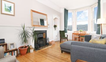 15/9 Albion Road, Edinburgh