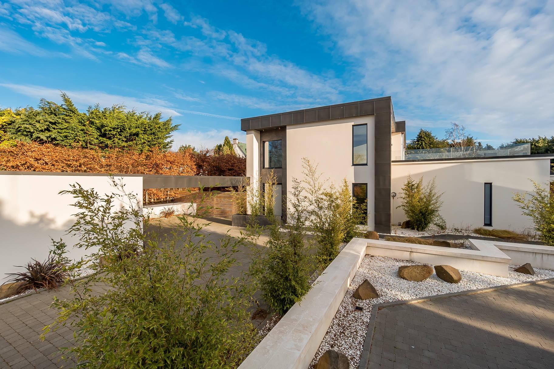 Shiro House, 108 Cammo Grove, Edinburgh, EH4 8HD