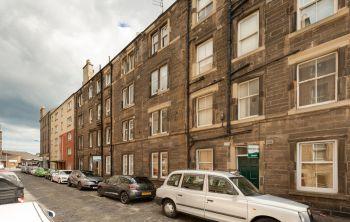 9/5  Pirrie Street, Edinburgh