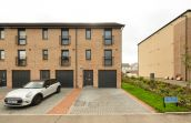 7 Carlow gardens , South Queensferry