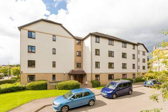 9/5 Connaught Place, Trinity, Edinburgh, EH6 4RQ