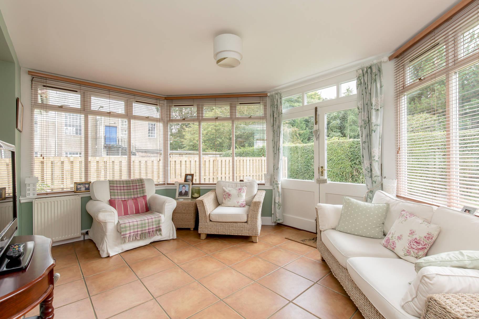 20 Dreghorn Loan, Colinton, Edinburgh, EH13 0DE