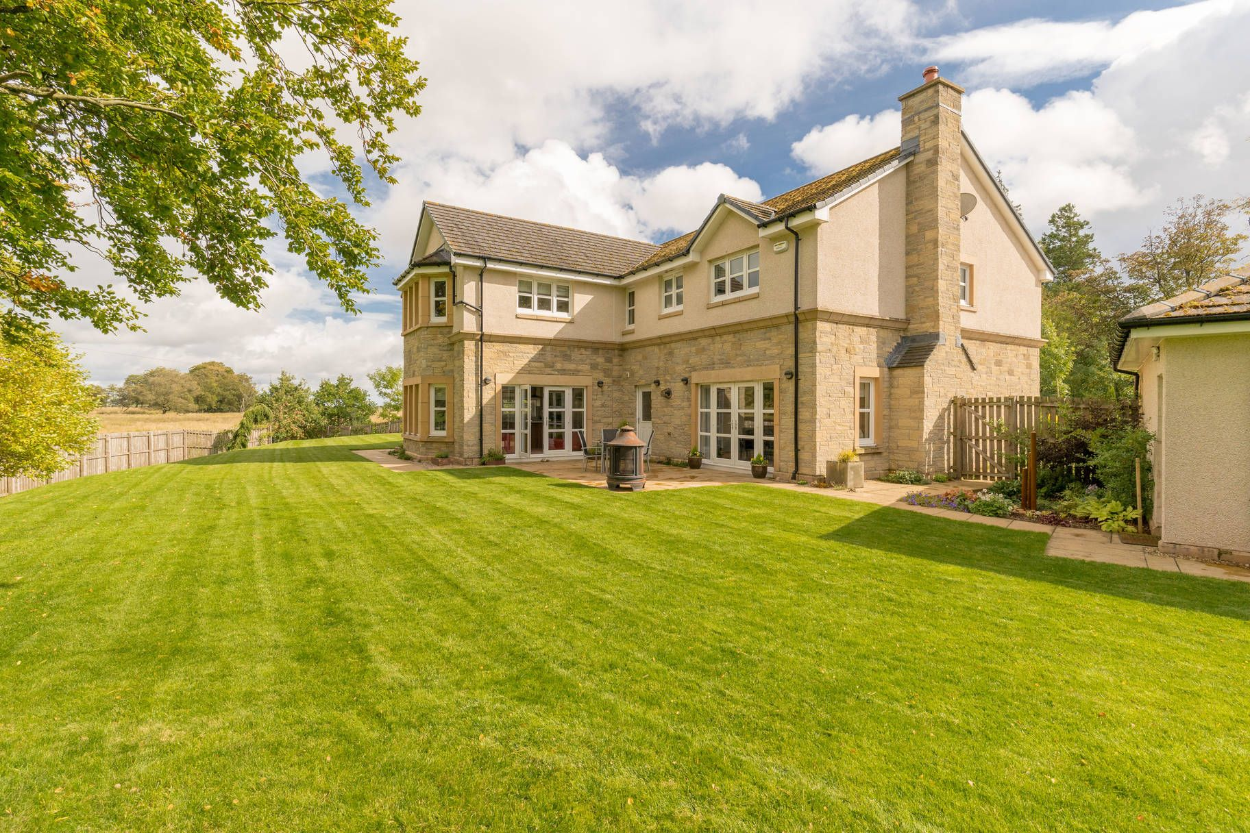 3 Rutherford Castle Green, West Linton - Photo 25