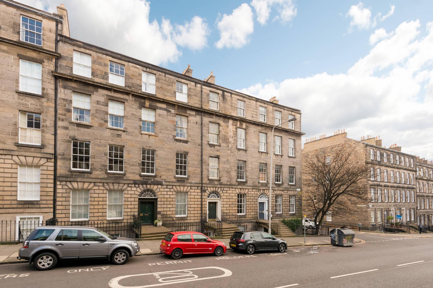 72/6 (3F2) Dundas Street, Edinburgh, EH3 6QZ