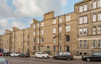 137 (3F2) Broughton Road, Edinburgh