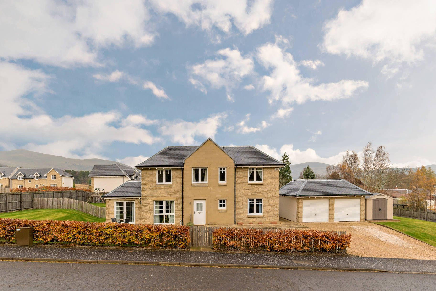 1 Mauricewood Steadings, Penicuik