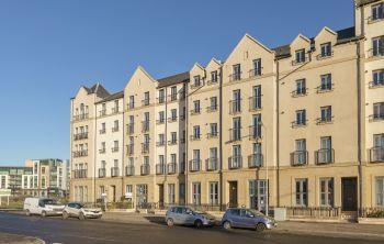 62/1 Newhaven Place, Edinburgh