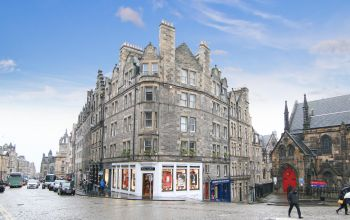 1/17 Upper Bow, Edinburgh