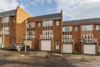 4 Upper Cramond Court, Edinburgh