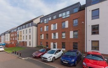 10/5 Ferry Gait Crescent, Edinburgh