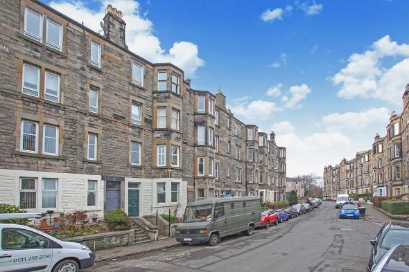 Second Floor Flat  for sale: 12/6 Meadowbank Crescent, Edinburgh, EH8 7AQ