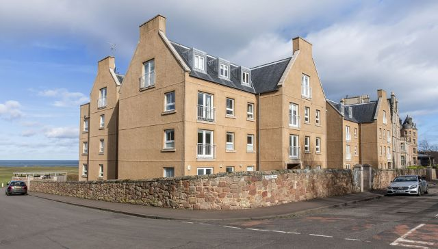 5 Hamilton Court, Cromwell Road, North Berwick