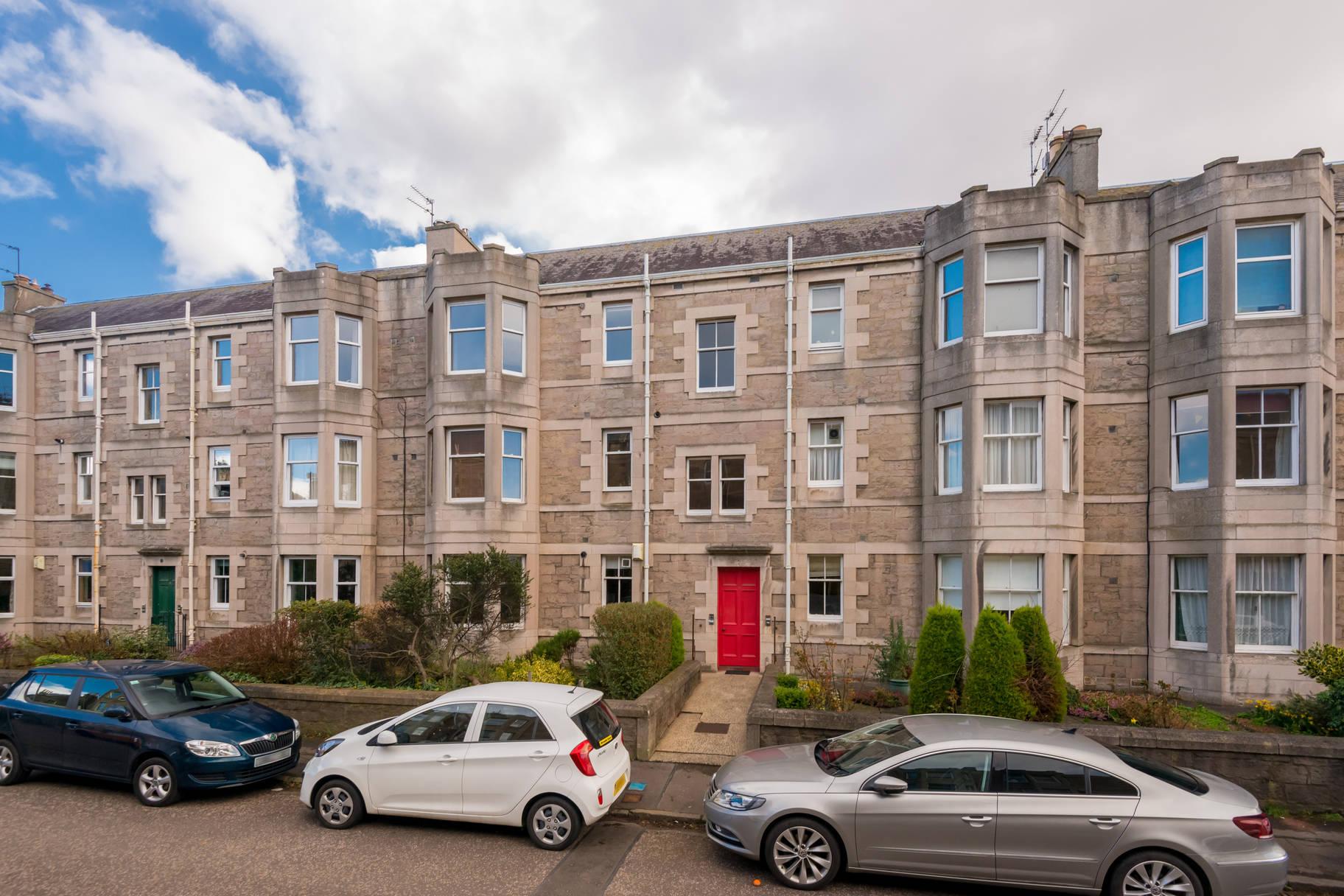 6 (2F2) Rosebank Grove, Trinity, Edinburgh, EH5 3QN