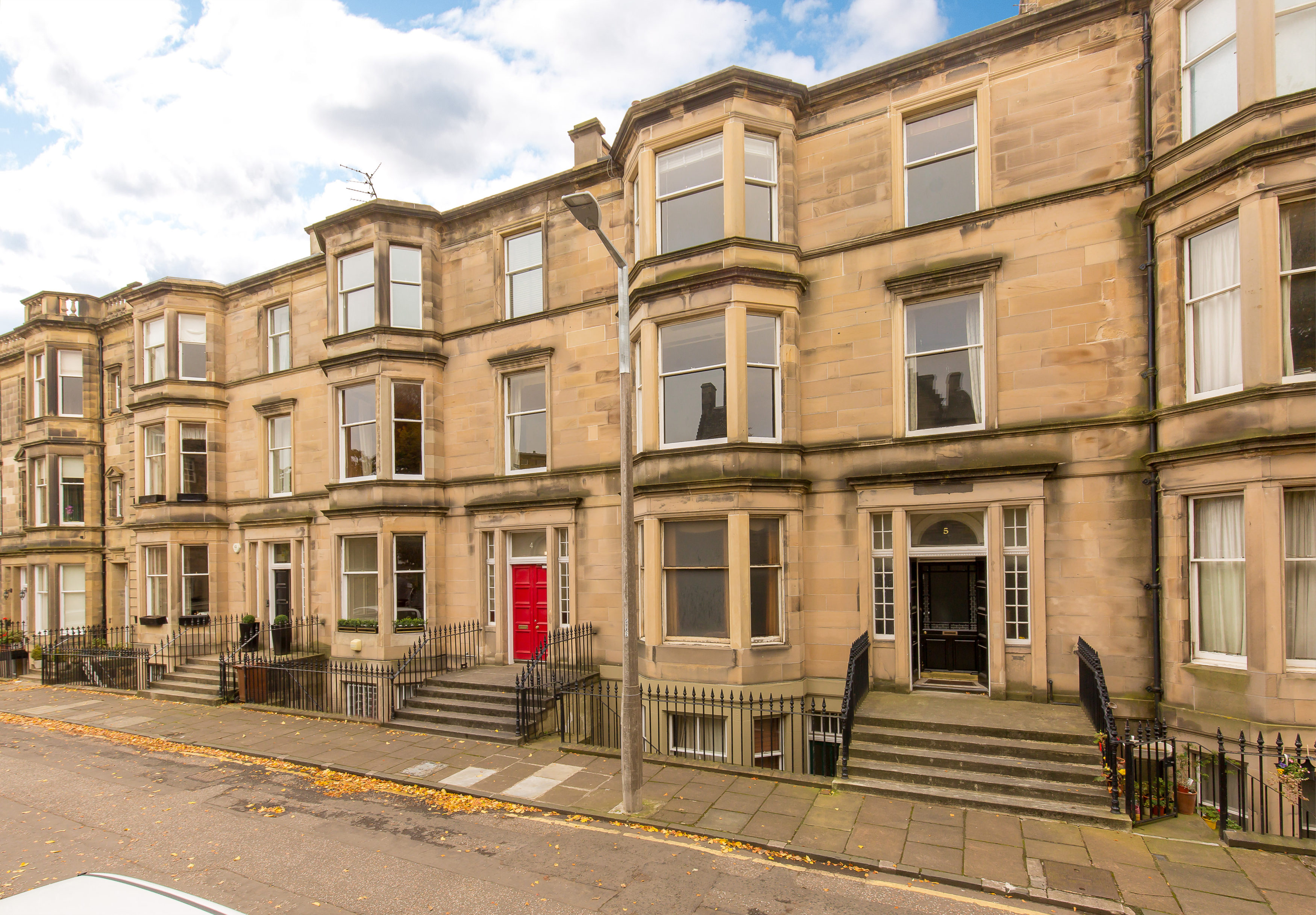 5 (1F) Grosvenor Gardens, Edinburgh, EH12 5JU