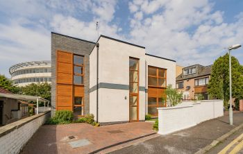 2A Downie Grove, Edinburgh