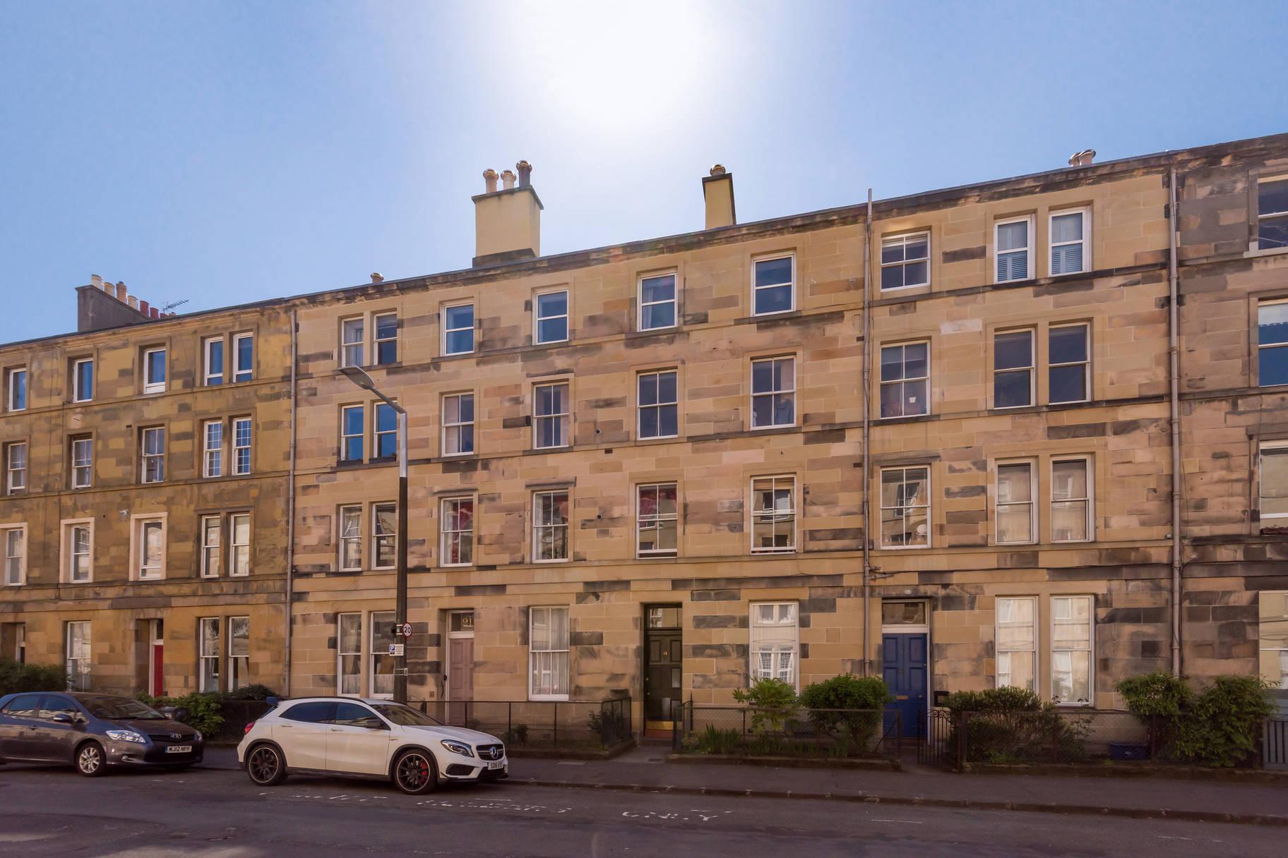 19 (1F3) Panmure Place, Tollcross, Edinburgh, EH3 9HP