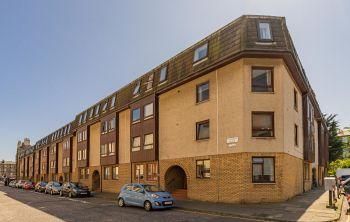 41/6 Lochrin Place, Edinburgh