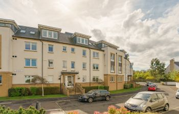 5/2 Brighouse Park Crescent, Edinburgh