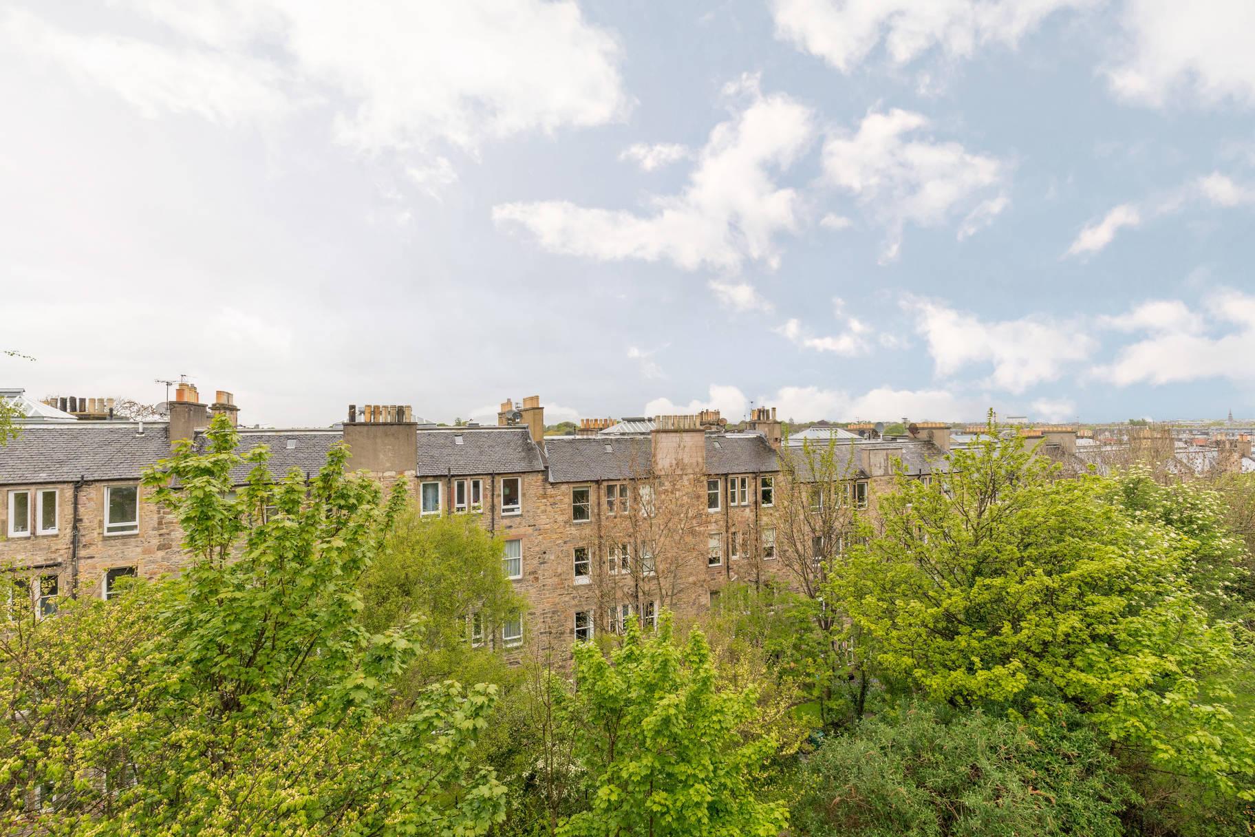 5 (3F1) Heriothill Terrace, Canonmills, Edinburgh, EH7 4DZ
