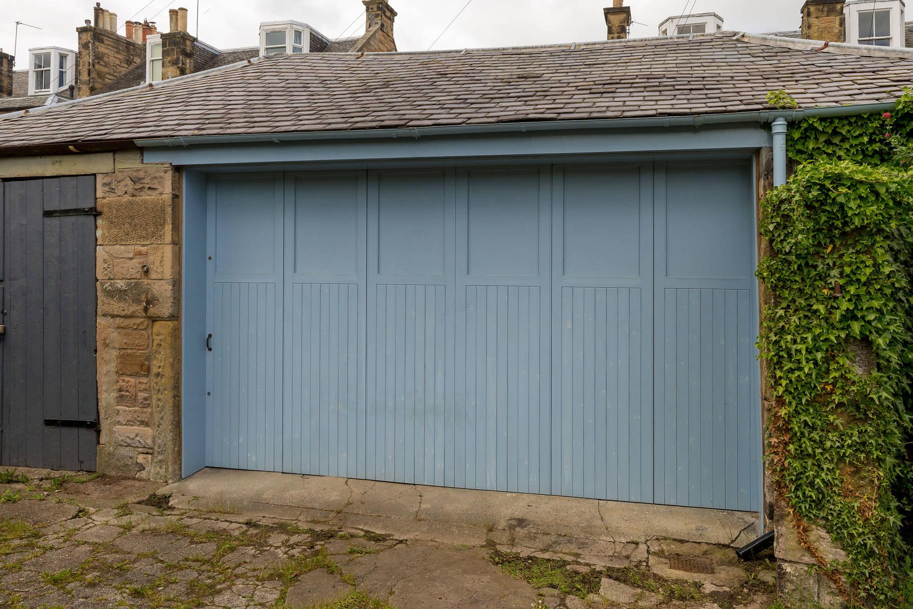 Garage off Ethel Terrace, Edinburgh, EH10 5NB