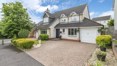 8 Beckfield Drive, Robroyston
