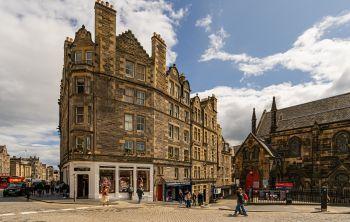 4 (2F1) Upper Bow, Edinburgh