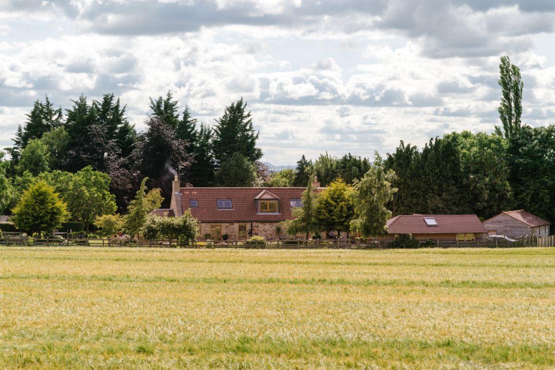 Winton Smithy Cottage, Pencaitland - Photo 15
