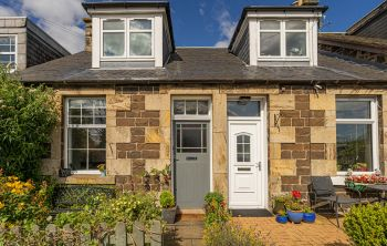 6 Lennie Cottages Craig's Road, Edinburgh