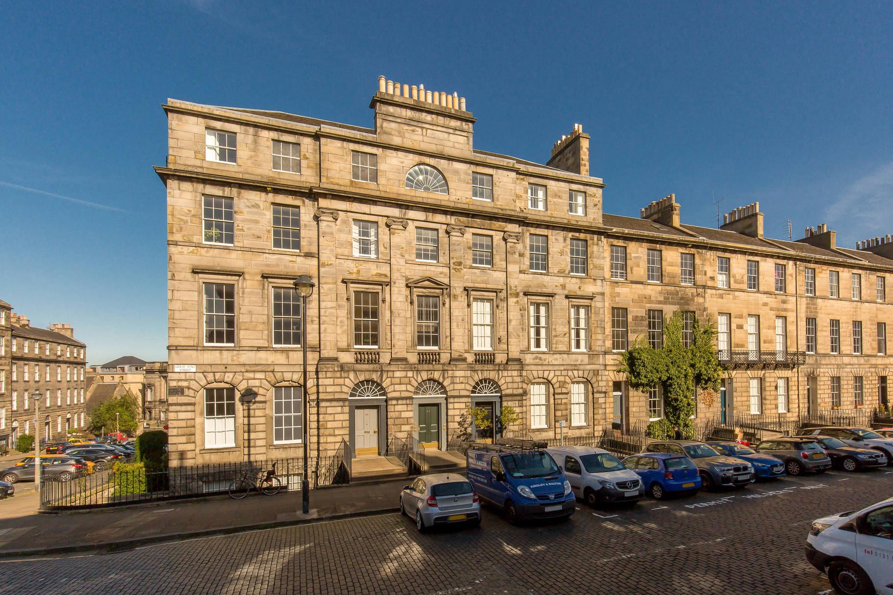 84 (2F2) Great King Street, Edinburgh, EH3 6QU