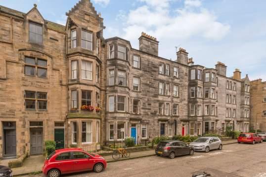 12 (2F1) Roseneath Terrace, Marchmont, Edinburgh, EH9 1JN