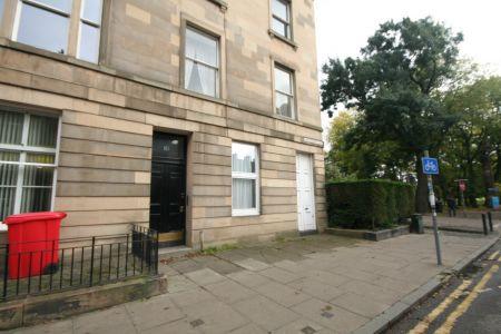 Room 5, 10 (2F2) Brougham Place, Edinburgh