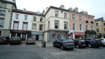 42 The Square, Kelso