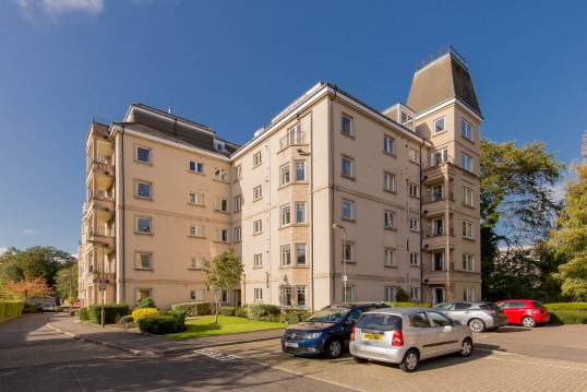 27/20 Maxwell Street, Morningside, Edinburgh, EH10 5FT