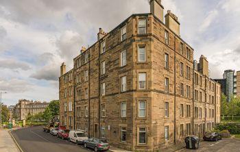27/12 Gardner's Crescent, Edinburgh