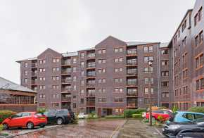 35/6 Orchard Brae Avenue, Edinburgh