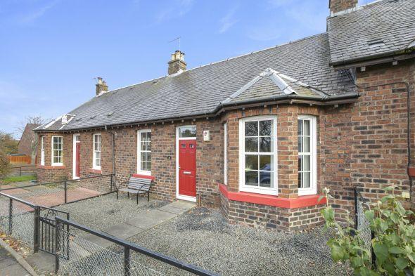 Bungalow Terraced Bungalow  for sale: 28 The Square, Newtongrange, Midlothian EH22 4PY