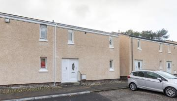 6 Waverley Way, Peebles