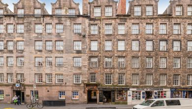 322/1 Lawnmarket, Edinburgh
