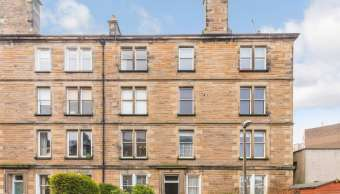 11 (1f2) Comiston Gardens, Edinburgh