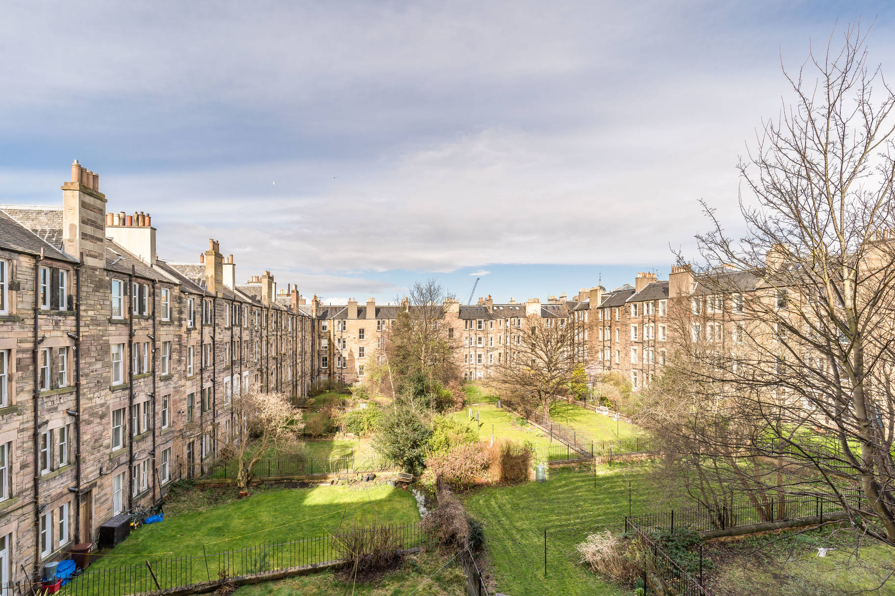 23 (2F2) Polwarth Gardens, Edinburgh, EH11 1JT