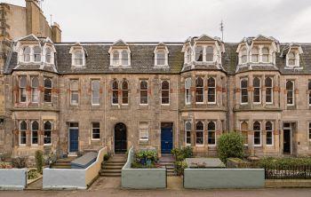 37 1F1 Bath Street, Edinburgh