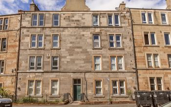 22/7 Caledonian Crescent, Edinburgh