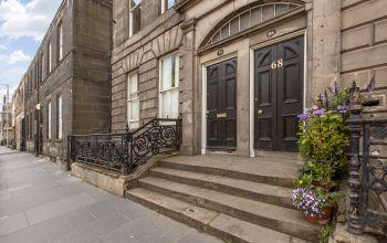 68 (3F1) Constitution Street, Edinburgh