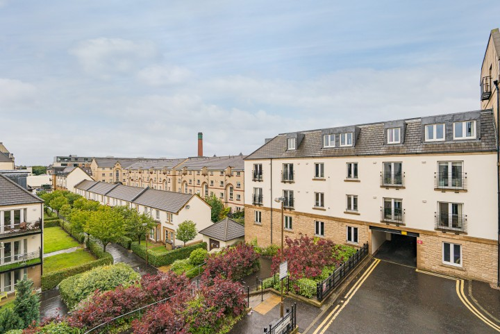 10/5 Hopetoun Crescent, Edinburgh EH7 4AU