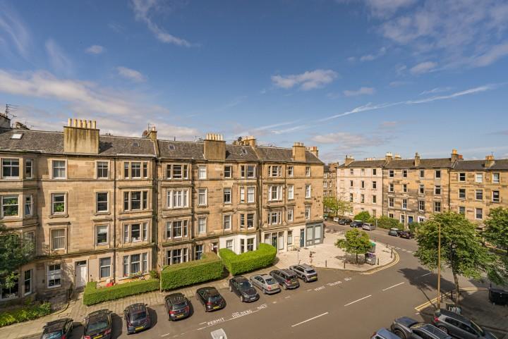 11 (3f2) Hillside Street, Edinburgh EH7 5HD