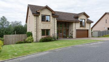 17 Halmyre Loan, West Linton