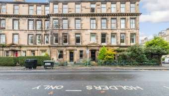 24 (1F1) Hillside Crescent, Edinburgh