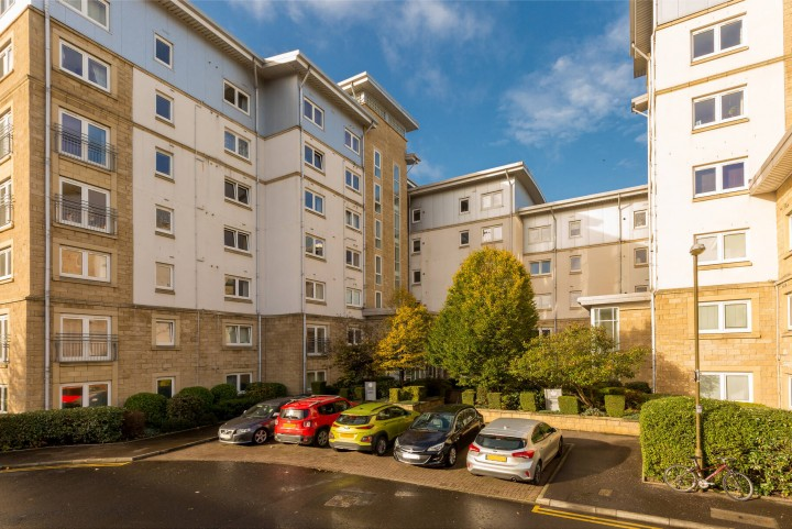12/9 Pilrig Heights, Edinburgh EH6 5BB