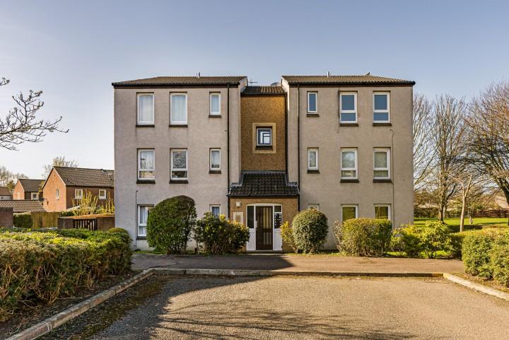 174/1 Fauldburn, East Craigs, Edinburgh EH12 8YW